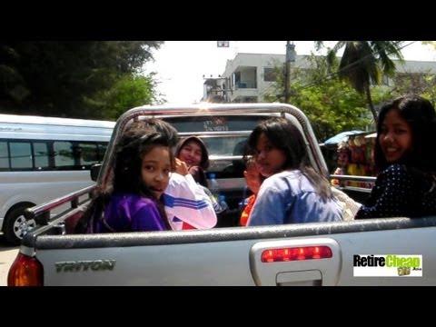 Cha-Am-girls-pickup-truck